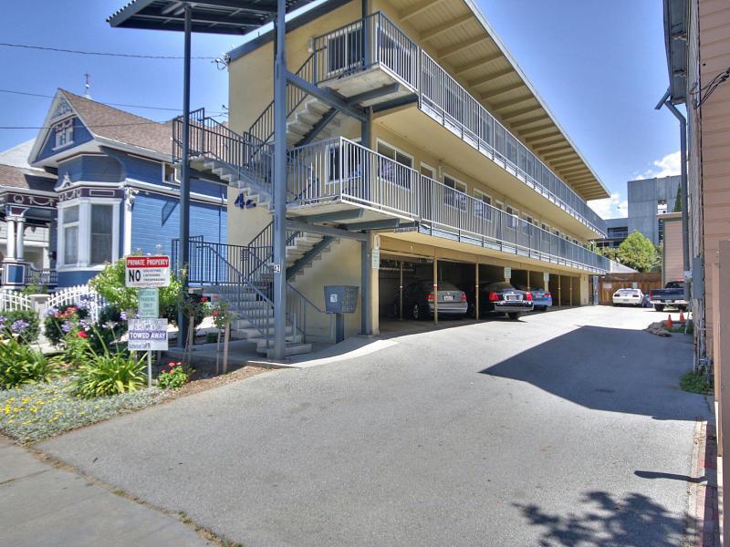 متعددة للعائلات الرئيسية للـ Sale في 42 S 8th Street San Jose, California 95112 United States