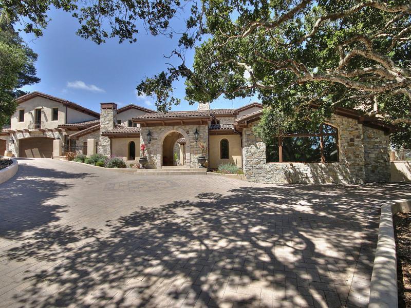 Maison unifamiliale pour l Vente à 7820 Monterra Oaks Road Monterey, Californie 93940 États-Unis