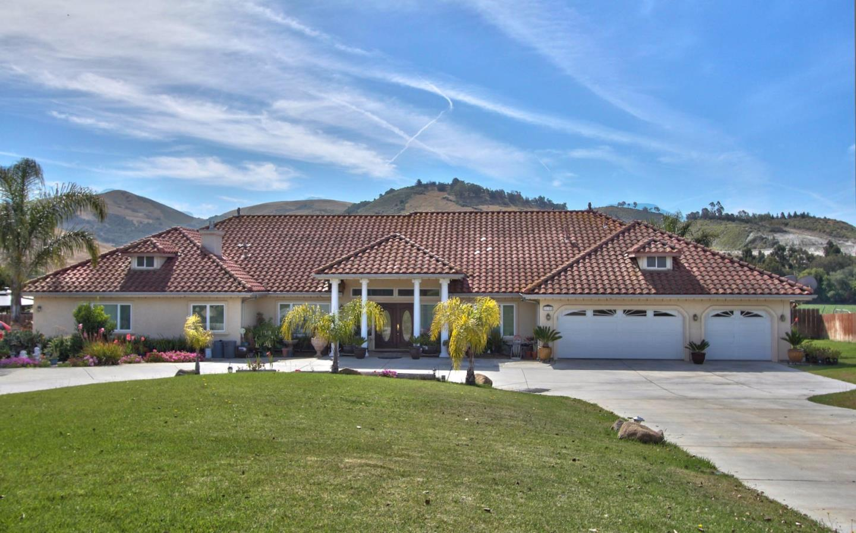 21152 Valle San Juan Drive, SALINAS, CA 93907