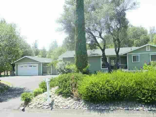 Maison unifamiliale pour l Vente à 14530 Lake Wildwood Drive 14530 Lake Wildwood Drive Penn Valley, Californie 95946 États-Unis