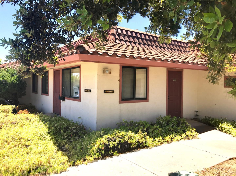 Коммерческий для того Продажа на 901 Sunset Drive 901 Sunset Drive Hollister, Калифорния 95023 Соединенные Штаты