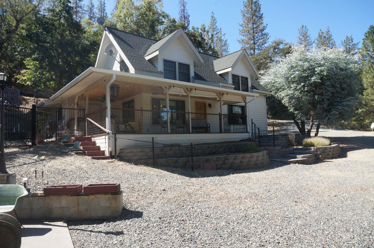 Single Family Home for Sale at 310 Goose Ranch Road Lewiston, California 96052 United States
