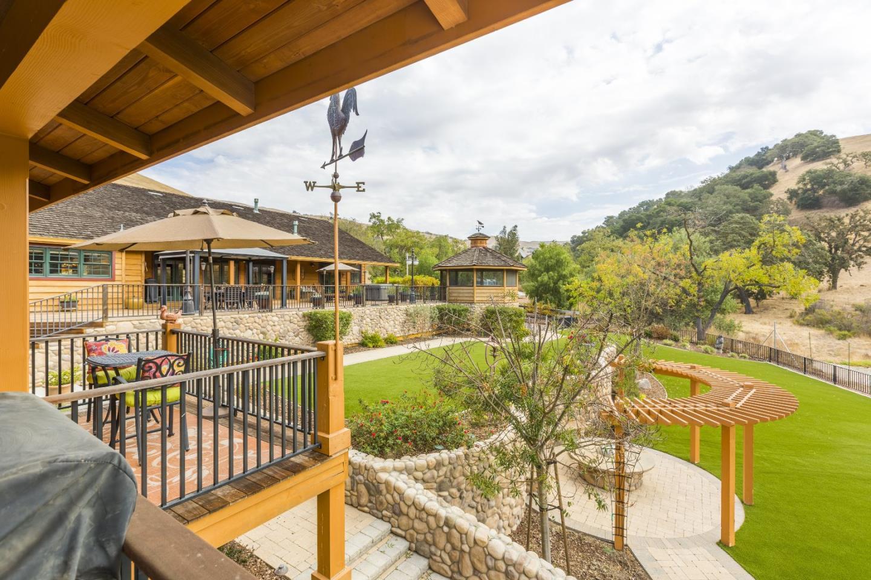 獨棟家庭住宅 為 出售 在 4541 Comstock Road Hollister, 加利福尼亞州 95023 美國