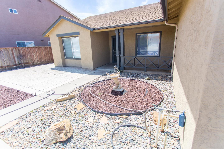 Maison unifamiliale pour l Vente à 456 Charolais Drive Gonzales, Californie 93926 États-Unis