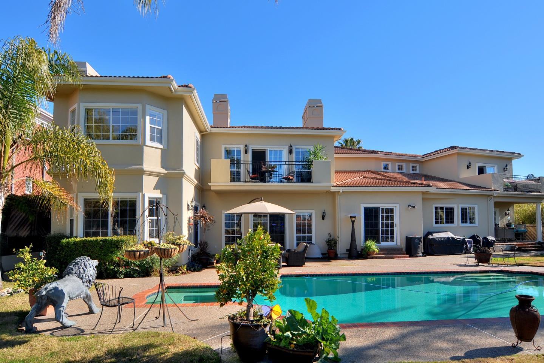 Maison unifamiliale pour l Vente à 9 Colton Court Redwood City, Californie 94062 États-Unis