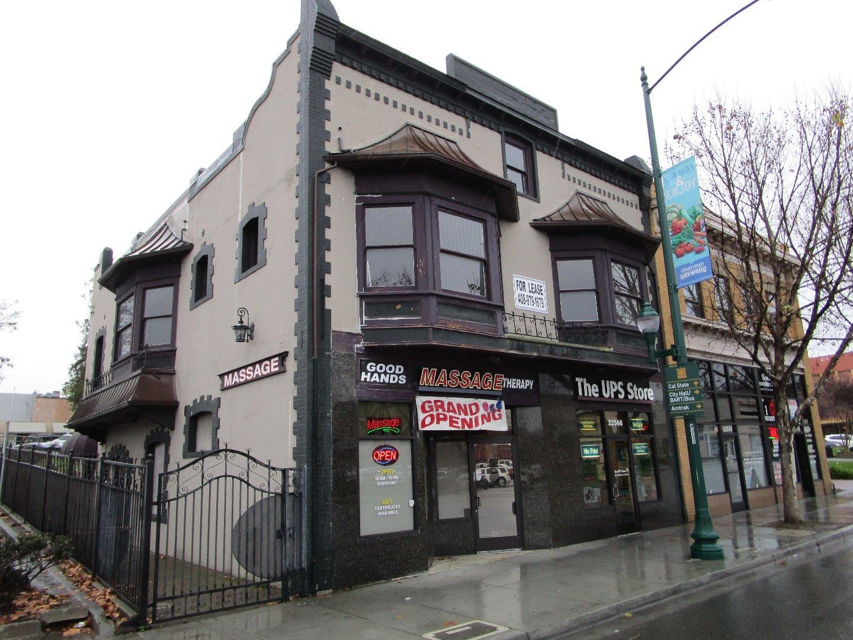 Commercial pour l Vente à 22564 Mission Boulevard 22564 Mission Boulevard Hayward, Californie 94541 États-Unis