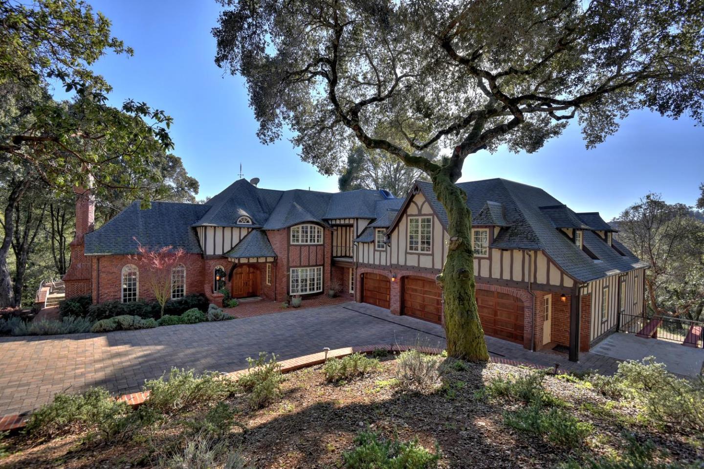 Частный односемейный дом для того Продажа на 5042 Wildberry Lane 5042 Wildberry Lane Soquel, Калифорния 95073 Соединенные Штаты