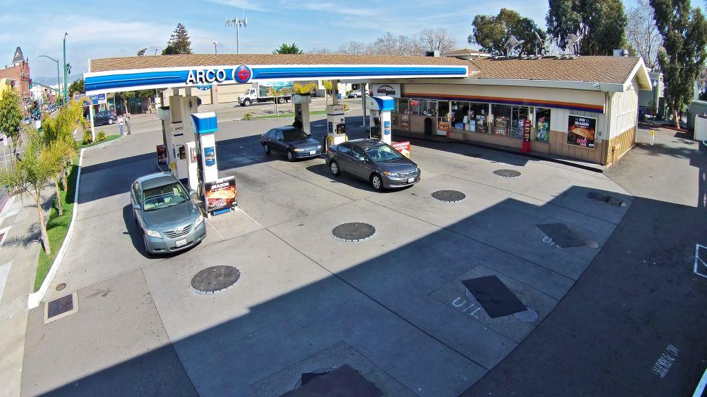 Commercial for Sale at 1260 Park Street Alameda, California 94501 United States