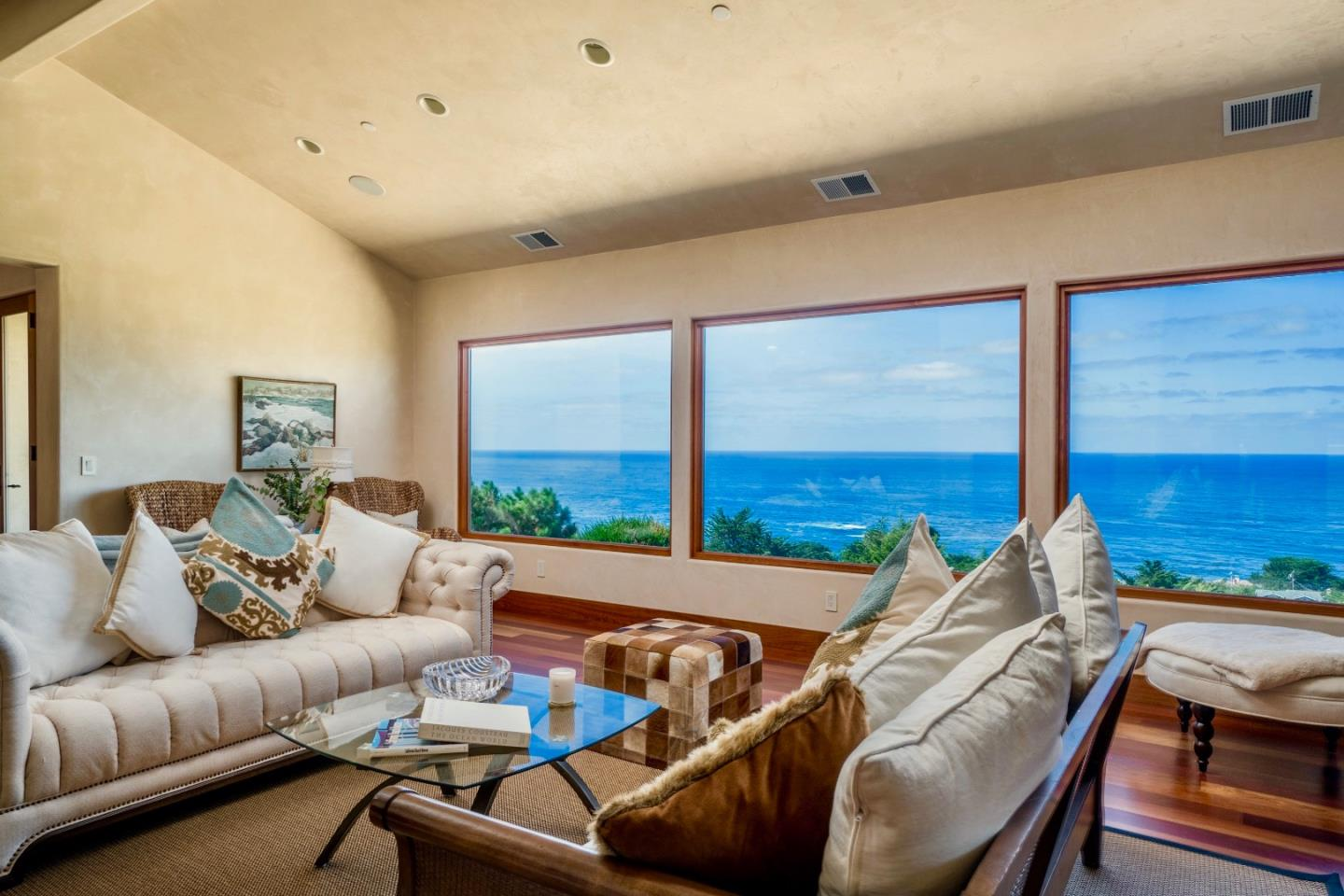 Additional photo for property listing at 32691 Coast Ridge Drive  Carmel, California 93923 United States