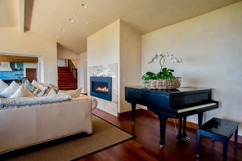 Additional photo for property listing at 32691 Coast Ridge Drive 32691 Coast Ridge Drive Carmel, California 93923 Estados Unidos