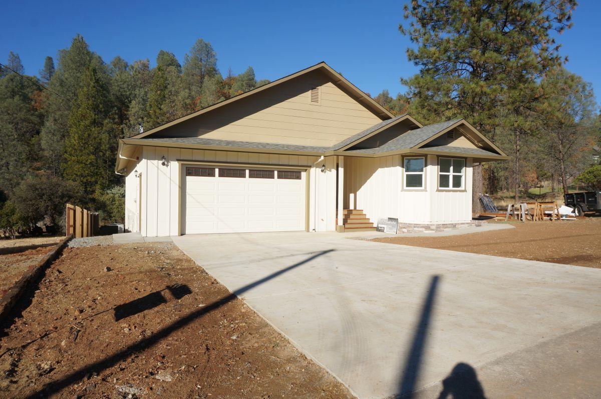 Частный односемейный дом для того Продажа на 25 Edge Road 25 Edge Road Weaverville, Калифорния 96093 Соединенные Штаты