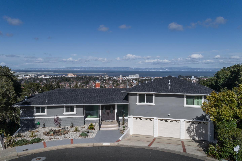 Maison unifamiliale pour l Vente à 12 Belvedere Court Burlingame, Californie 94010 États-Unis