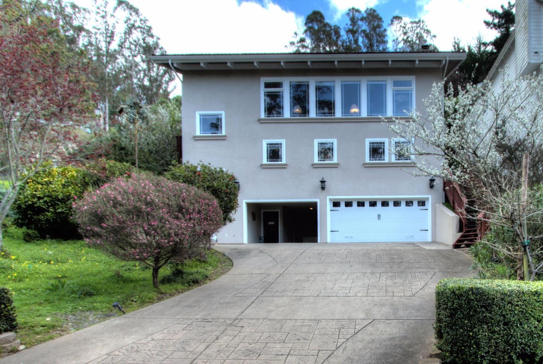 Casa Unifamiliar por un Venta en 654 Isabella Avenue El Granada, California 94019 Estados Unidos