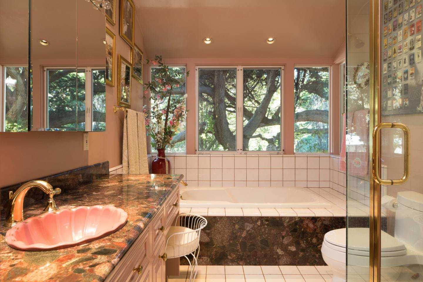 Additional photo for property listing at 2 Yankee Beach Way  Carmel, California 93923 United States
