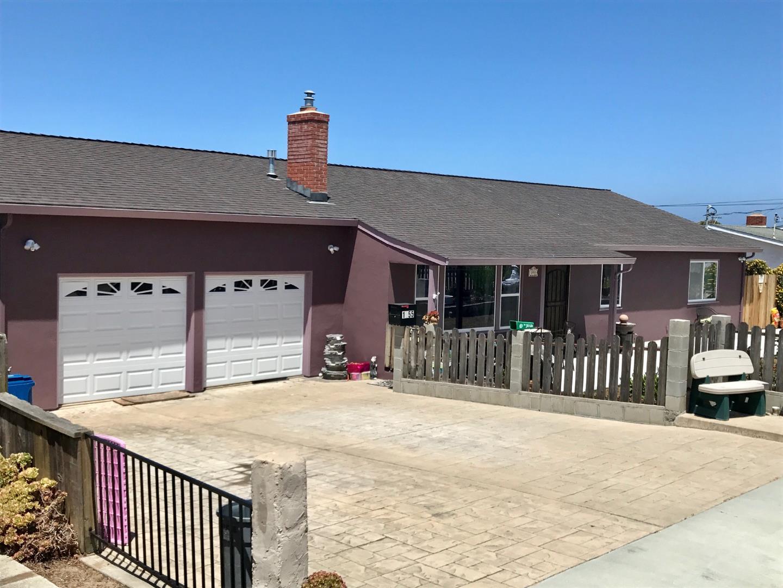 Einfamilienhaus für Verkauf beim 1955 Mendocino Street Seaside, Kalifornien 93955 Vereinigte Staaten