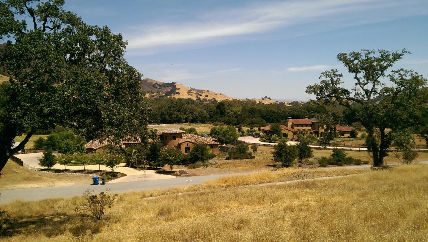 Additional photo for property listing at 12245 Heritage Way  Gilroy, Калифорния 95020 Соединенные Штаты
