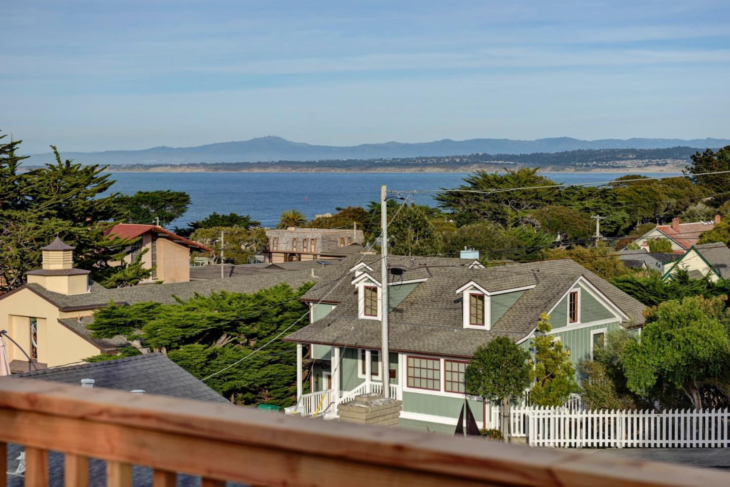 215 11th Street, PACIFIC GROVE, CA 93950