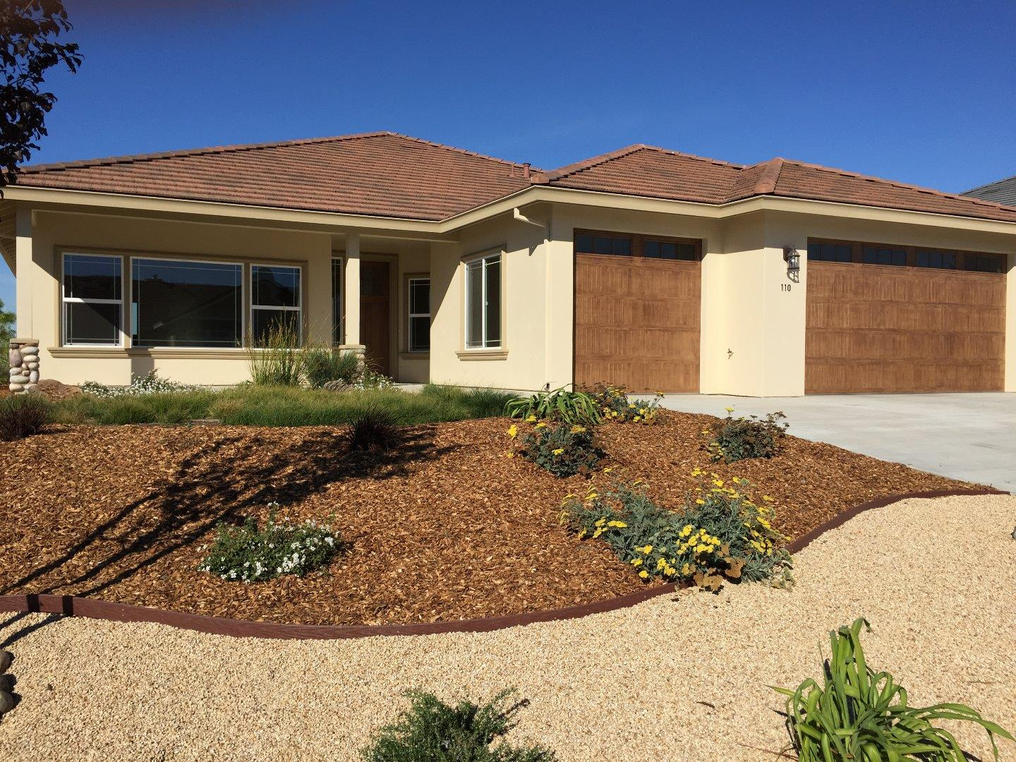 Additional photo for property listing at 110 Tyler Court  Hollister, California 95023 United States