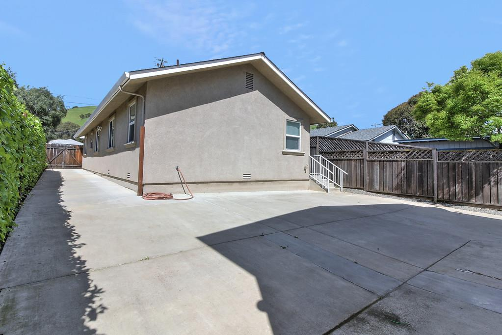 Additional photo for property listing at 37547 Mission Boulevard  Fremont, Californie 94536 États-Unis