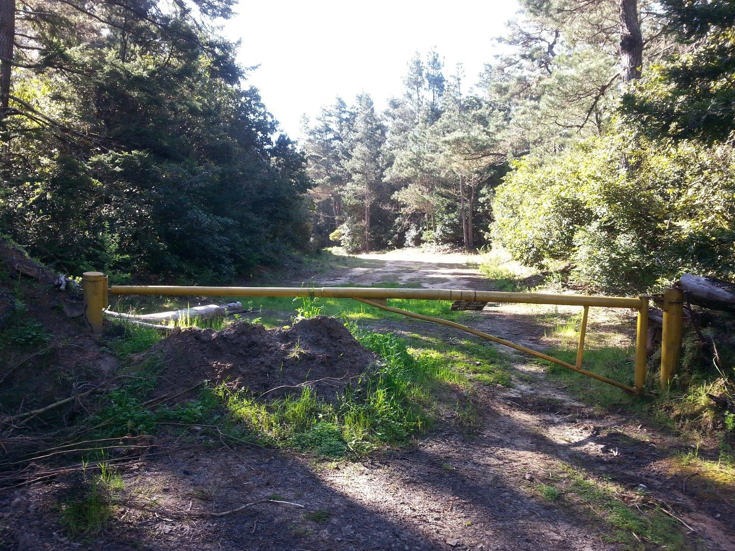 Additional photo for property listing at 32395 Pearl Drive 32395 Pearl Drive Fort Bragg, California 95437 United States