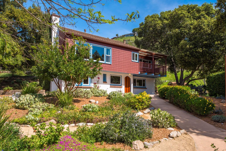 Maison unifamiliale pour l Vente à 85 Middle Canyon Road Carmel Valley, Californie 93924 États-Unis