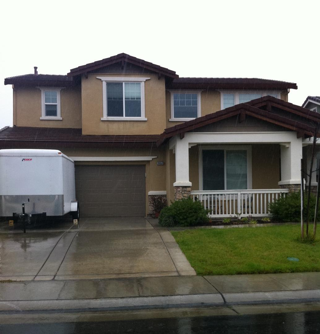Maison unifamiliale pour l Vente à 9653 Sea Cliff Way Elk Grove, Californie 95758 États-Unis