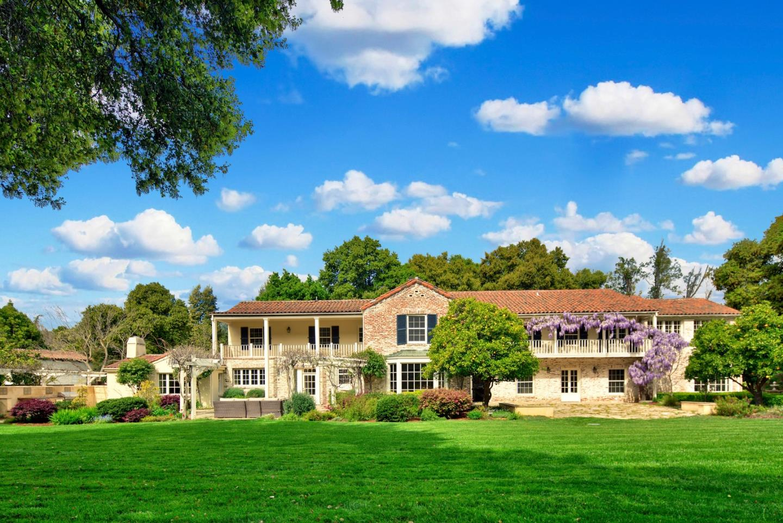 واحد منزل الأسرة للـ Sale في 1870 University Avenue Palo Alto, California 94301 United States