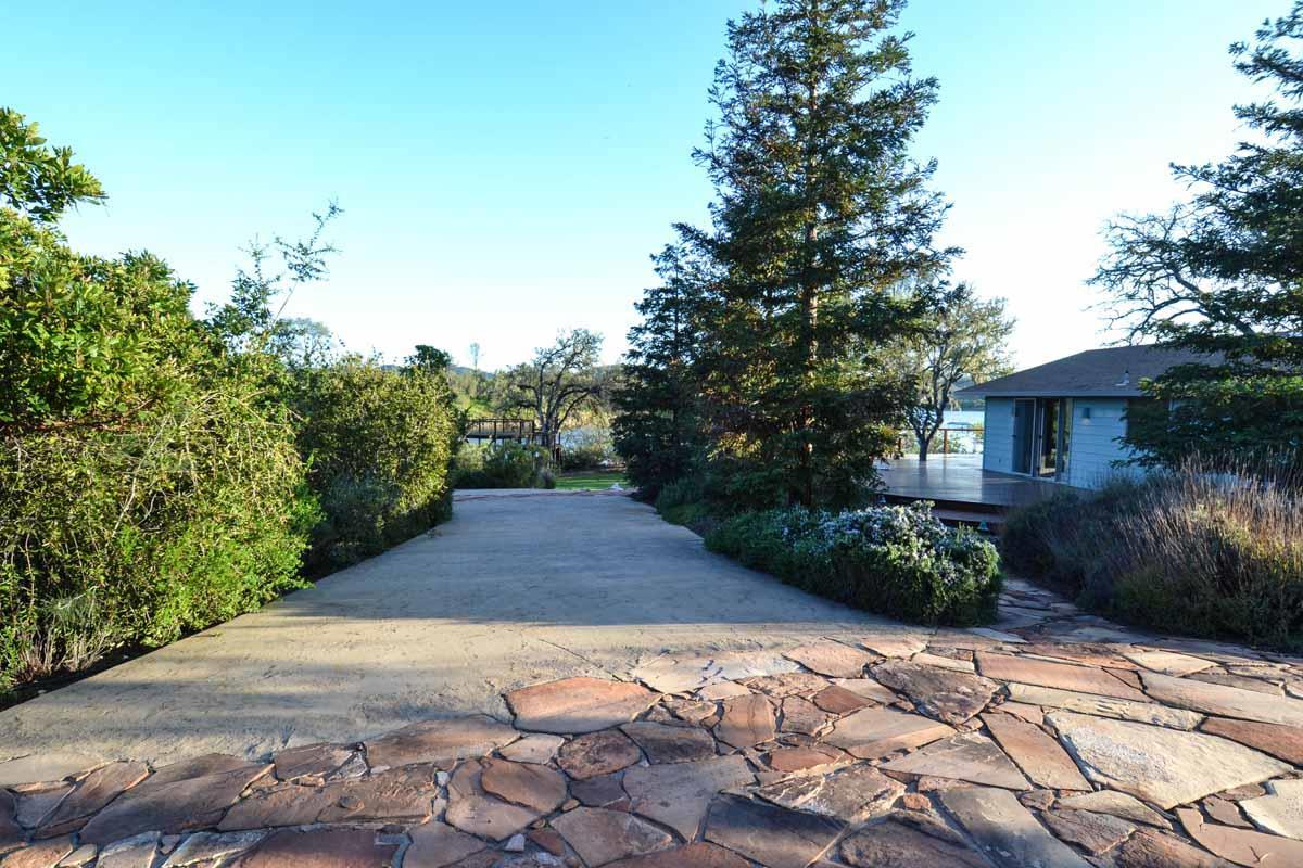 Einfamilienhaus für Verkauf beim 5790 Nacimiento Shores Road Bradley, Kalifornien 93426 Vereinigte Staaten