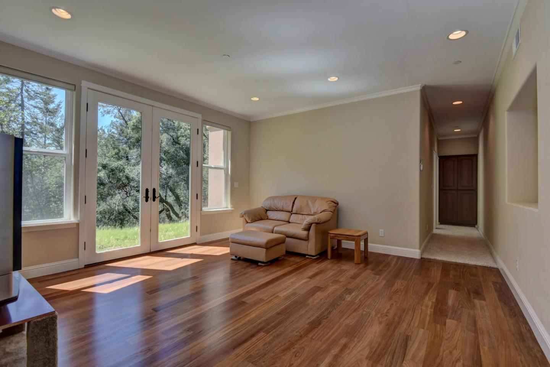 Additional photo for property listing at 337 Thin Edge Road  Santa Cruz, カリフォルニア 95065 アメリカ合衆国