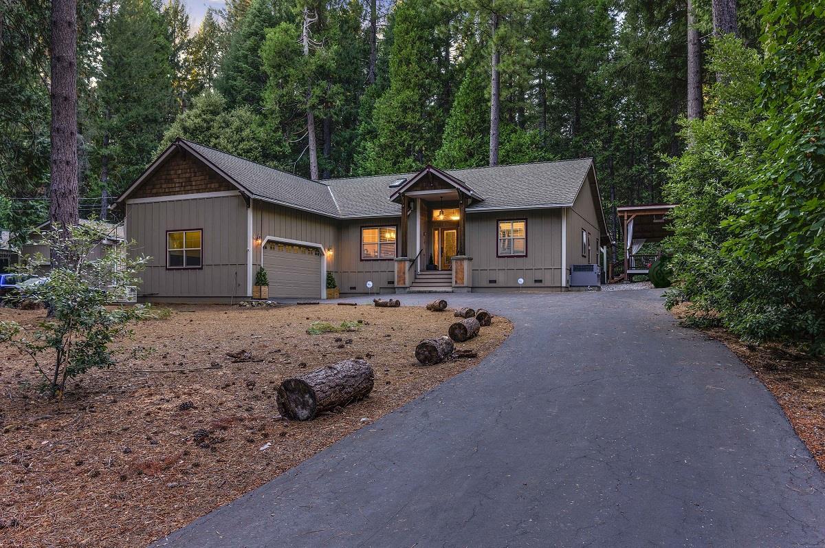 Casa Unifamiliar por un Venta en 15084 Lake Lane Nevada City, California 95959 Estados Unidos