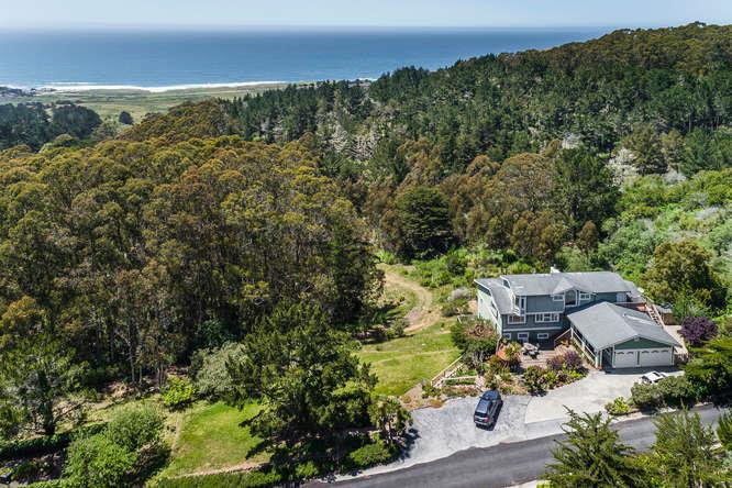 Additional photo for property listing at 770 Alta Vista Road  Montara, California 94037 United States