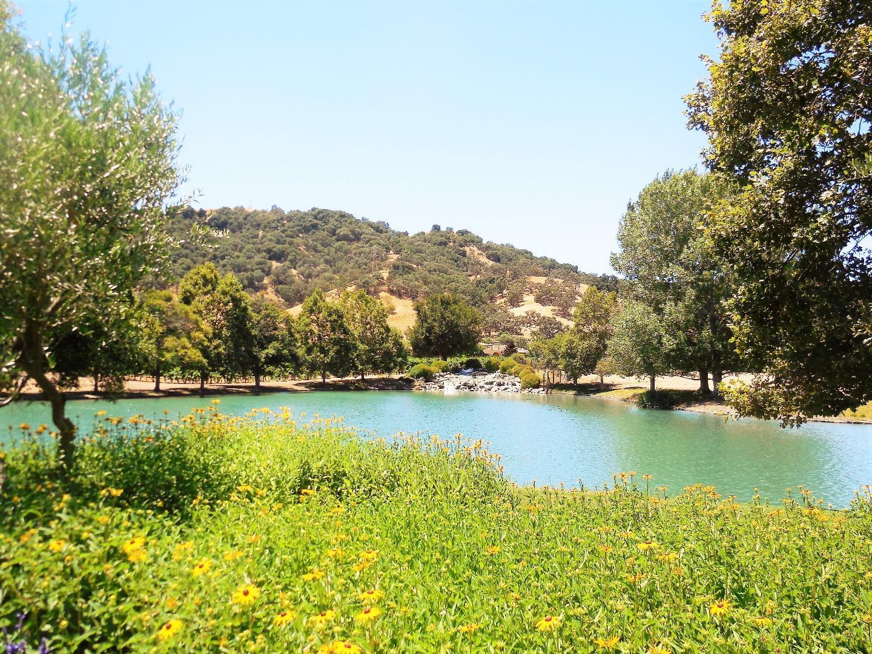 أراضي للـ Sale في 1265 Lions Peak Lane San Martin, California 95046 United States