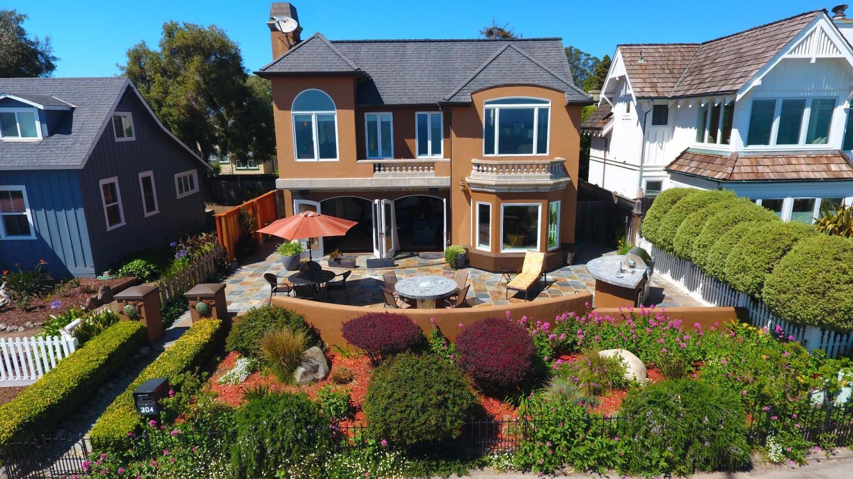 獨棟家庭住宅 為 出售 在 304 Grand Avenue Capitola, 加利福尼亞州 95010 美國