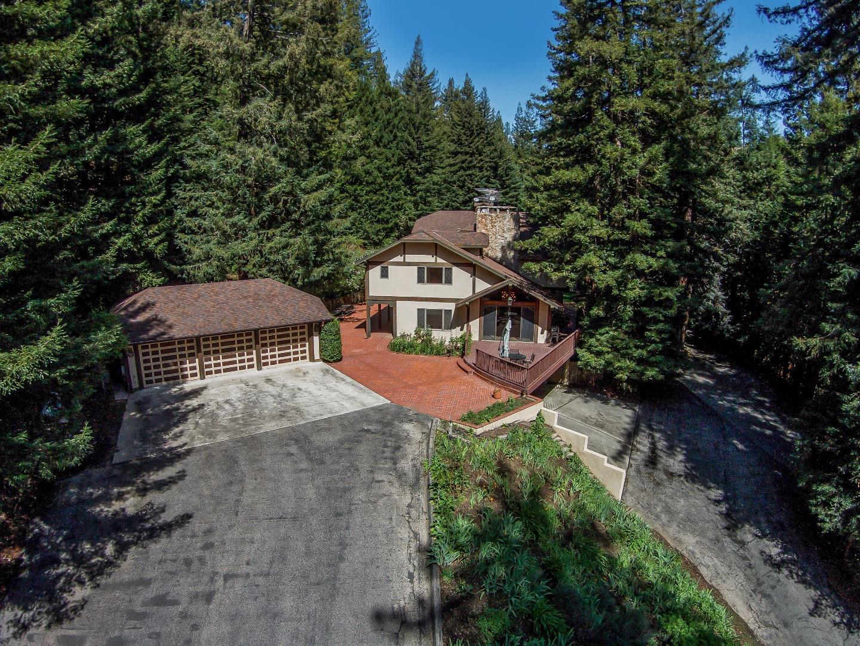 Частный односемейный дом для того Продажа на 880 Foxglove Lane Boulder Creek, Калифорния 95006 Соединенные Штаты