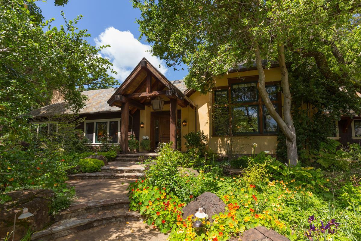 Maison unifamiliale pour l Vente à 170 Josselyn Lane Woodside, Californie 94062 États-Unis