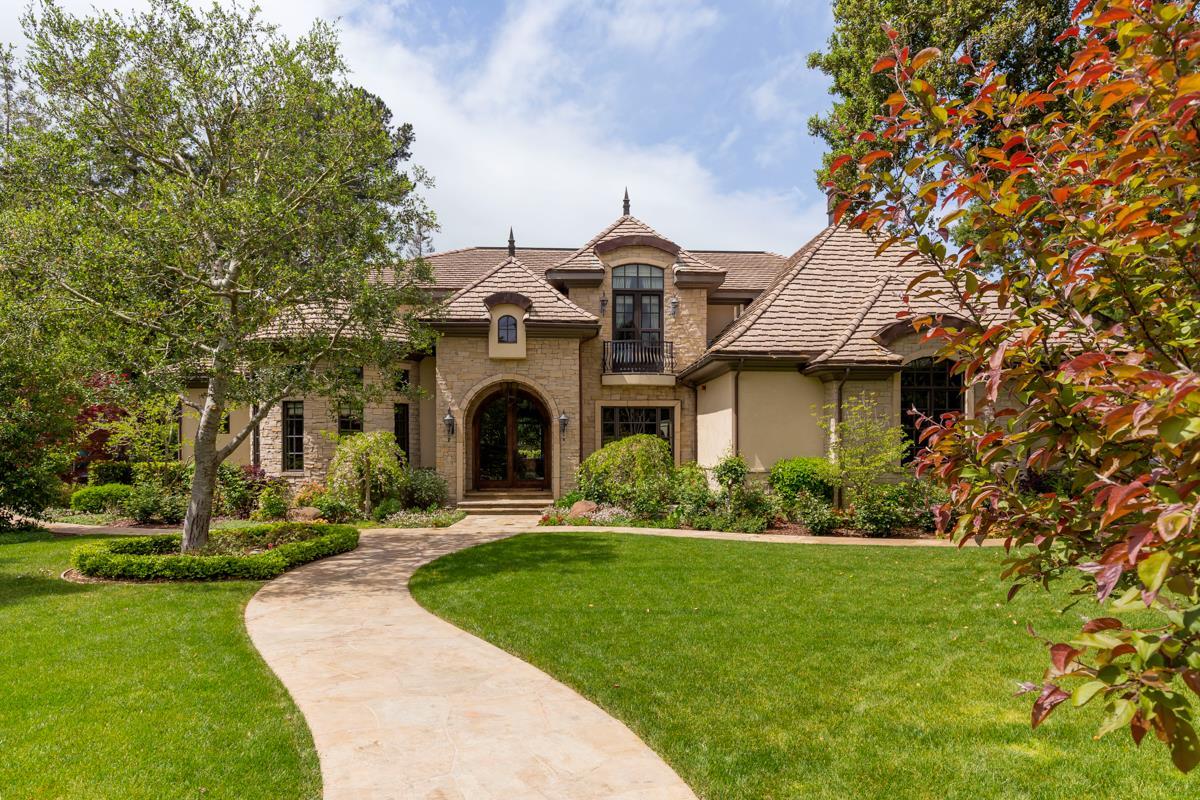 Maison unifamiliale pour l Vente à 67 Rosewood Drive Atherton, Californie 94027 États-Unis