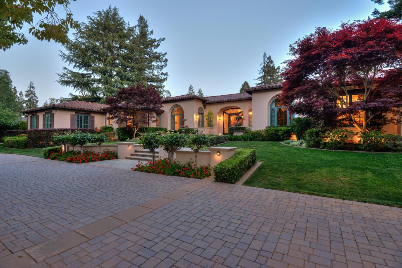 Частный односемейный дом для того Продажа на 19880 Robin Way Saratoga, Калифорния 95070 Соединенные Штаты