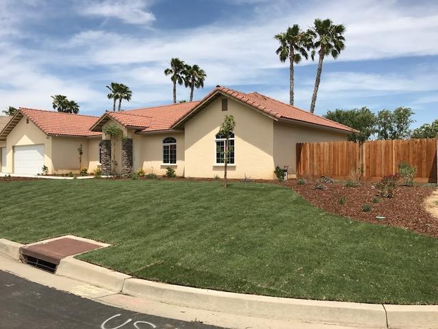 Частный односемейный дом для того Продажа на 5005 Congressional 5005 Congressional Chowchilla, Калифорния 93610 Соединенные Штаты
