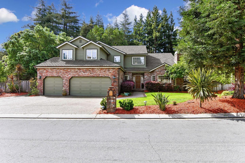 Частный односемейный дом для того Продажа на 127 Lauren Circle Scotts Valley, Калифорния 95066 Соединенные Штаты