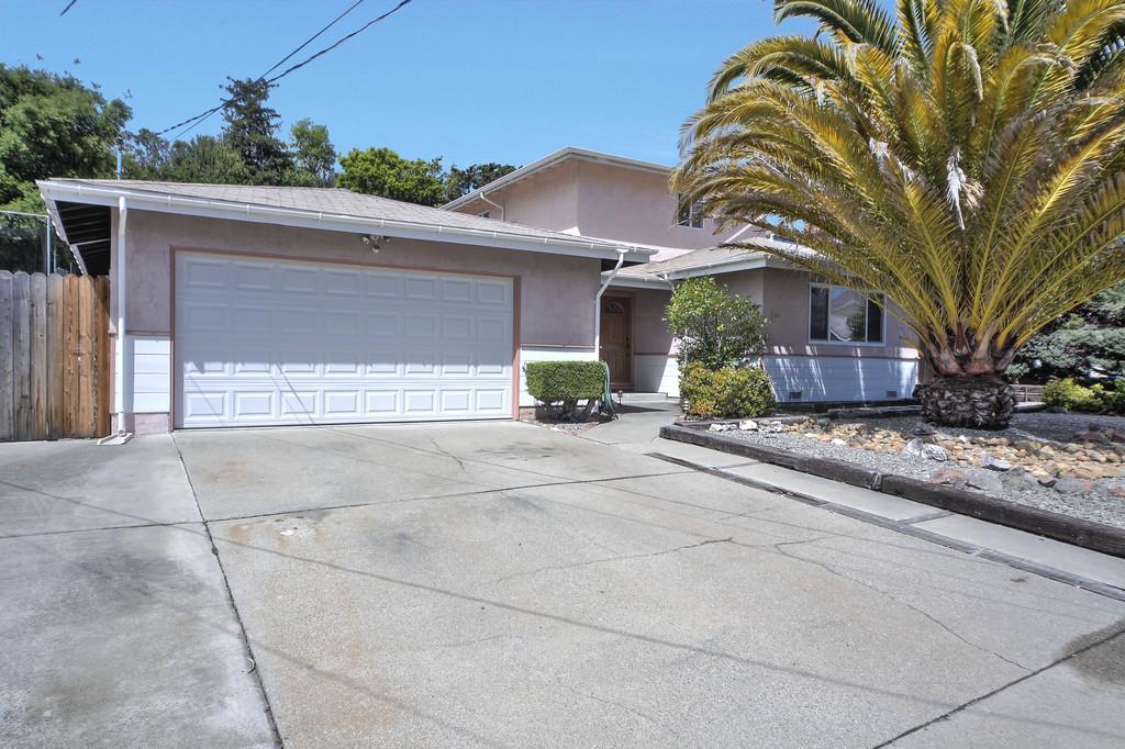 Maison unifamiliale pour l Vente à 2395 Wright Avenue Pinole, Californie 94564 États-Unis