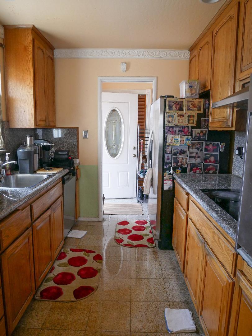 Additional photo for property listing at 26990 Jennings Way 26990 Jennings Way Hayward, California 94544 United States