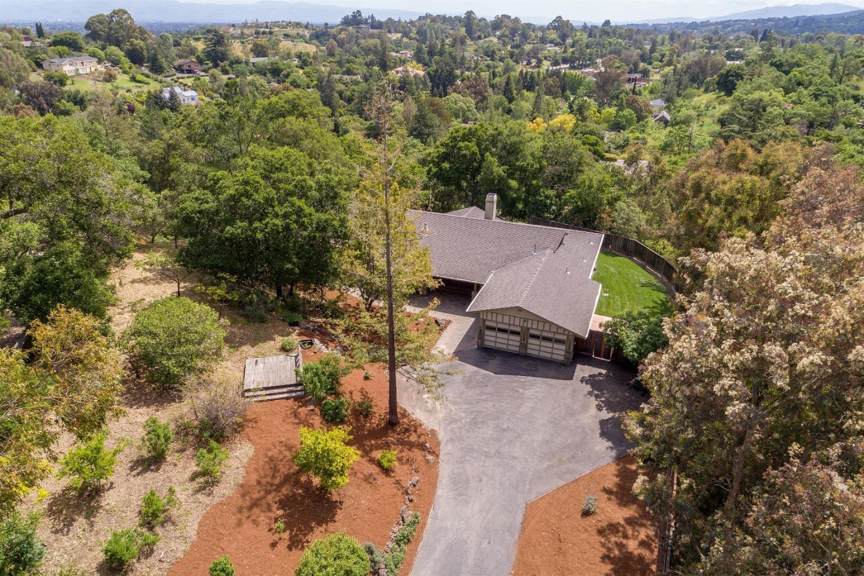 Additional photo for property listing at 12500 Minorca  Los Altos Hills, Californie 94022 États-Unis