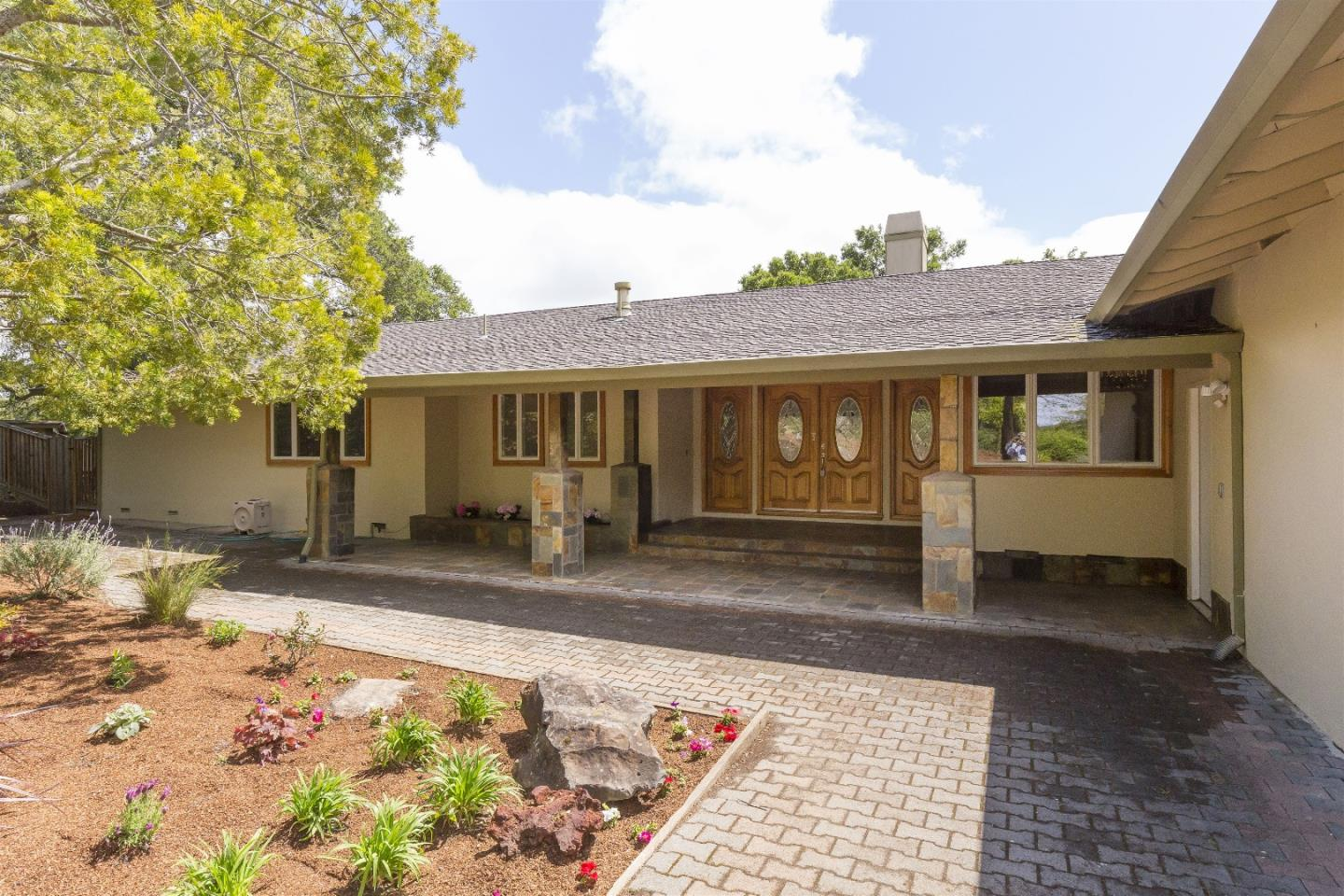 Additional photo for property listing at 12500 Minorca  Los Altos Hills, California 94022 United States