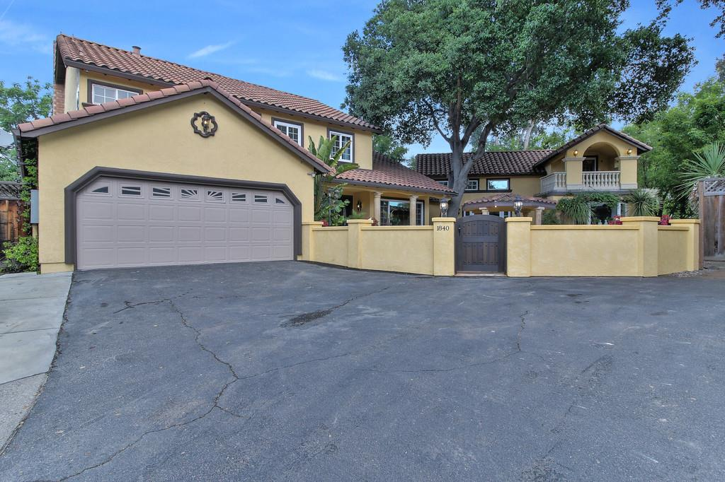 Casa Unifamiliar por un Venta en 1840 Dry Creek Road San Jose, California 95124 Estados Unidos