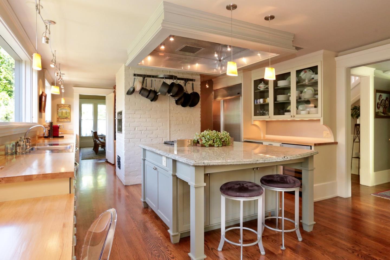 Additional photo for property listing at 1300 Hamilton Avenue  Palo Alto, California 94301 United States