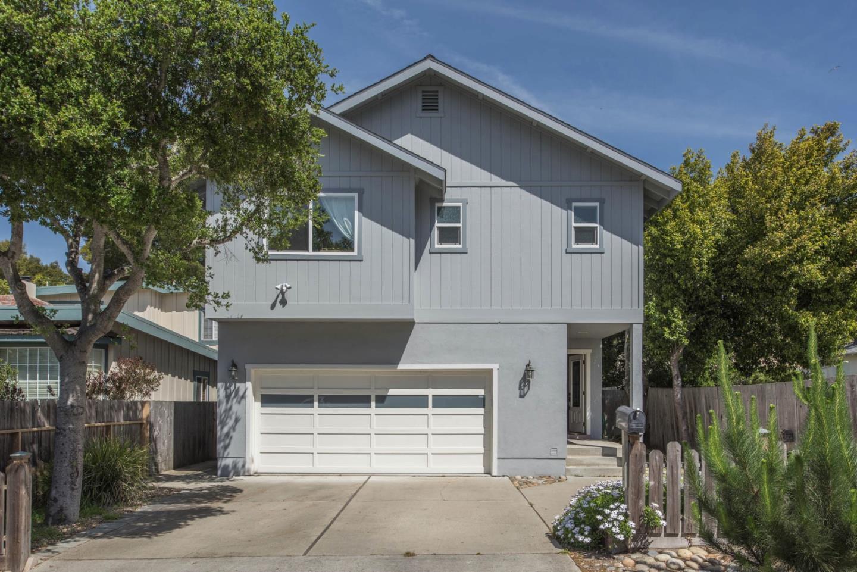 واحد منزل الأسرة للـ Sale في 431 Dela Rosa Monterey, California 93940 United States