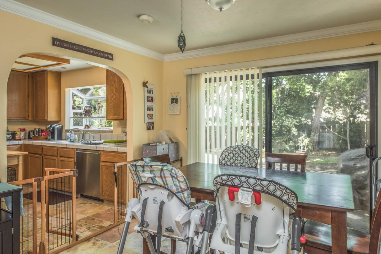 Additional photo for property listing at 431 Dela Rosa  Monterey, Kalifornien 93940 Vereinigte Staaten