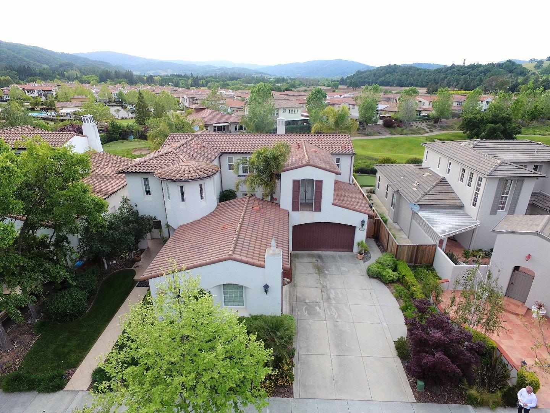 واحد منزل الأسرة للـ Sale في 2610 Club Drive 2610 Club Drive Gilroy, California 95020 United States
