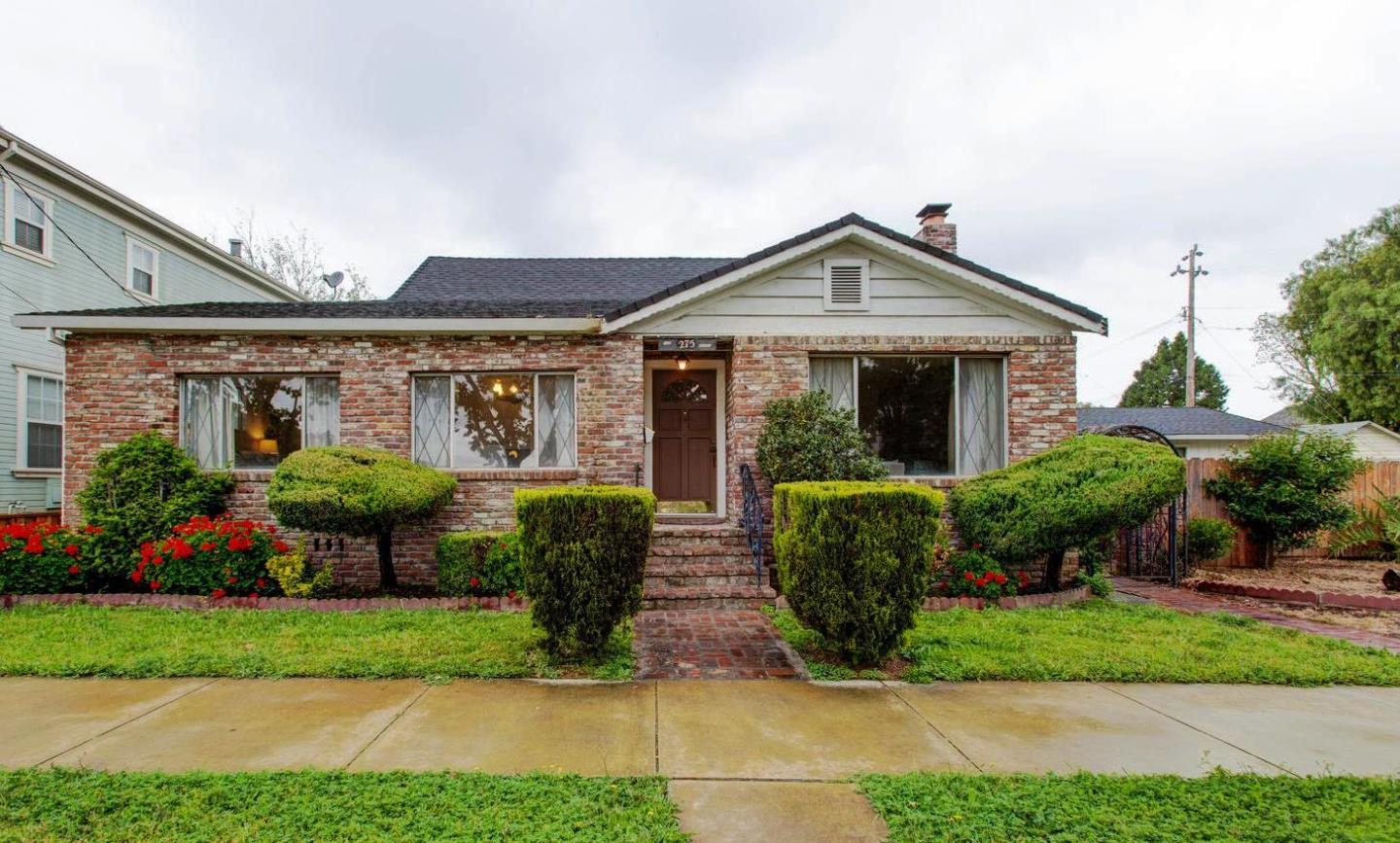 Additional photo for property listing at 275 W 6th Street  Gilroy, カリフォルニア 95020 アメリカ合衆国