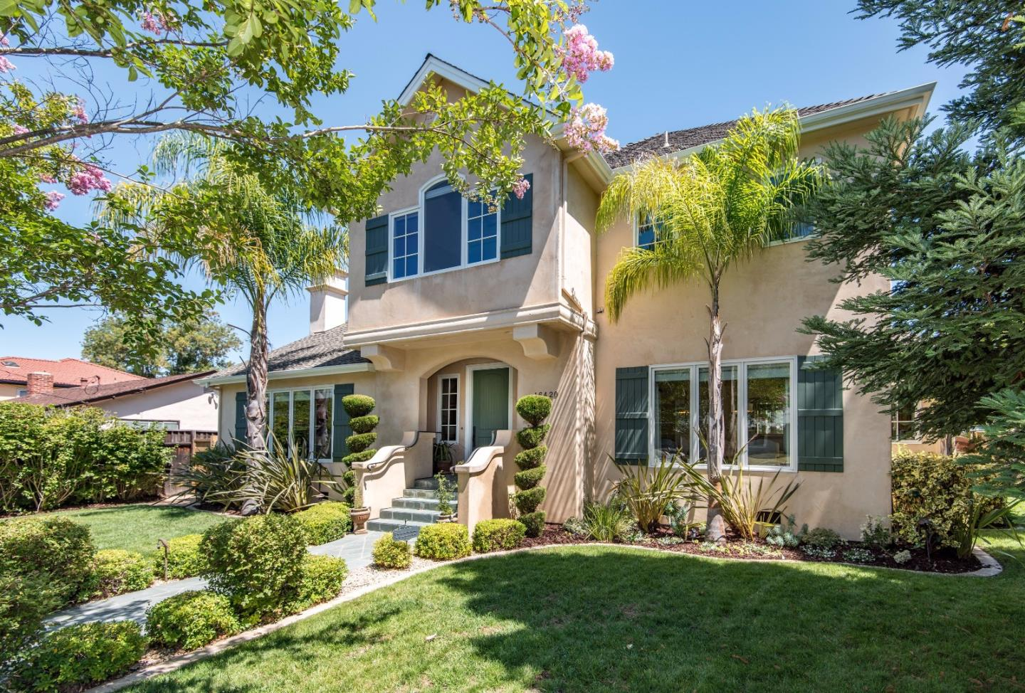 واحد منزل الأسرة للـ Sale في 16420 W LA CHIQUITA Avenue Los Gatos, California 95032 United States